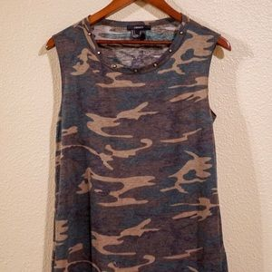 Camouflage Muscle Tee w/ Gold Stud